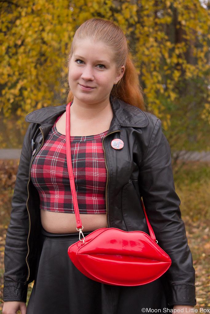 Lip bag, leatherskirt, leatherjacket, outfit, tartan shirt, päivän asu, asu nahkatakilla