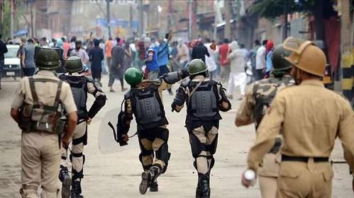 Huge Militarization Has Destructed Kashmiri Families: Speakers