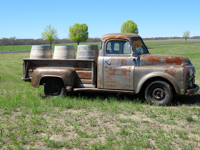 Wine Barrels & Truck. HTT, Canon POWERSHOT SX720 HS