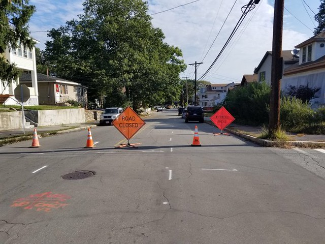 RT @lawrencepolice: Everett St blocked between Carlton St and Sandborn St For gas line repairs. https://t.co/WXfa4pSVbs