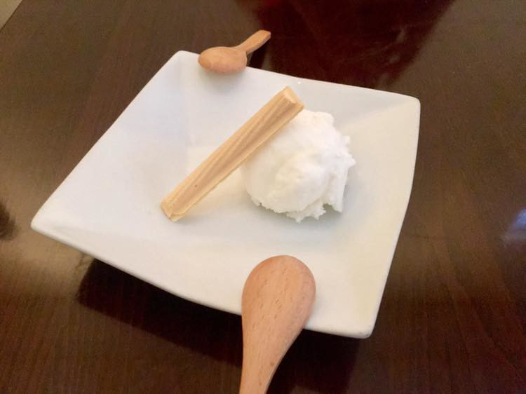 lychee-ice-cream