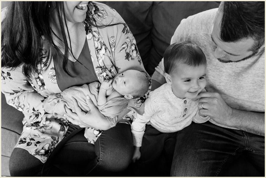 luca-newborn-69-bw