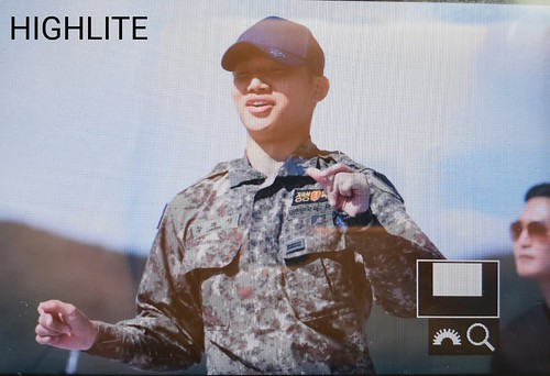 Taeyang Daesung Ground Forces Festival Korea 2018-10-08 (19)