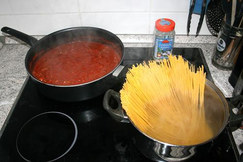 04 - Spaghetti kochen / Cook spaghetti