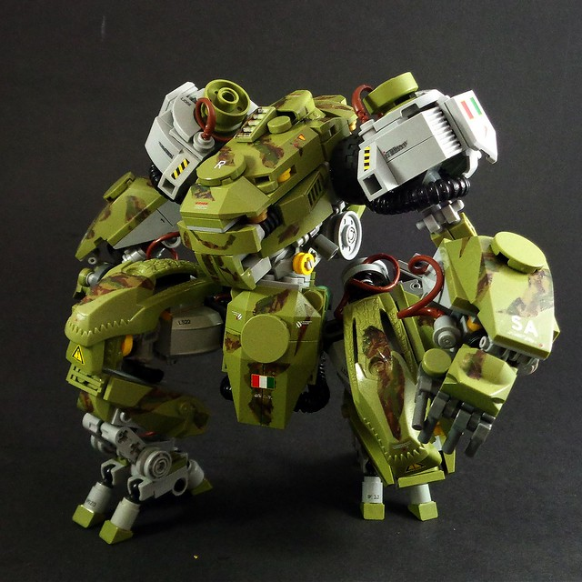 This Lego Mech Is One Serious Predator