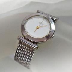 Ladies Watch. Vintage Watch. Skagen Denmark Watch. Skagen Ladies Watch. Women's Silver Mesh Watch. Watches for Women. Gifts for Her. waalaa.