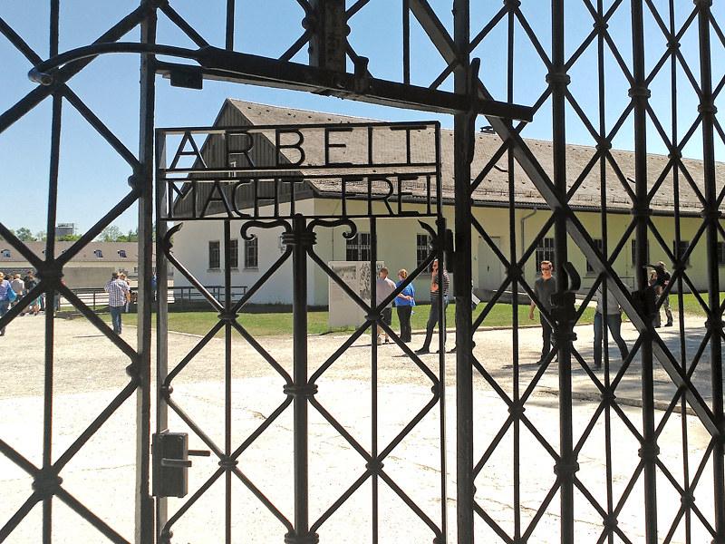 Puerta de acceso al Campo de Concentración de Dachau, a las afueras de Múnich
