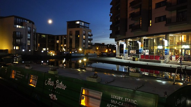 Union Canal, autumn evening 01