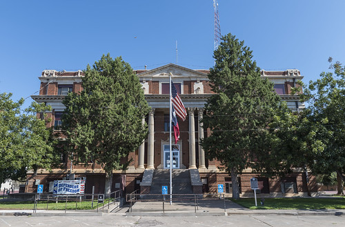 Hall County Courthouse