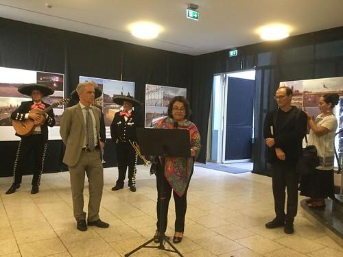 Se inaugura en Frankfurt la exposición UnLake City y se presenta película sobre Teodoro González de León 2