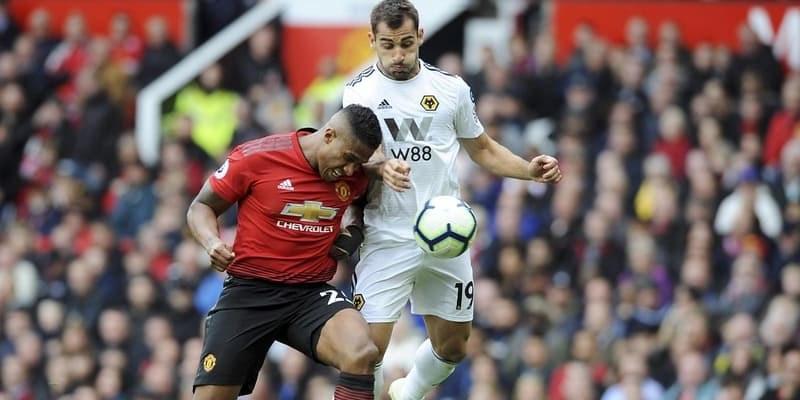 Giliran Antonio Valencia Yang Berselisih Dengan Jose Mourinho