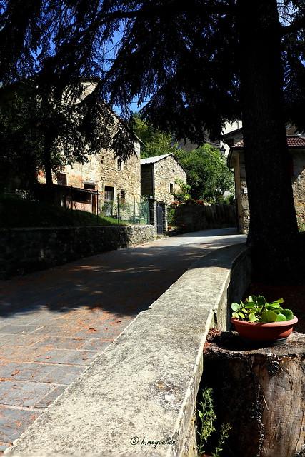 Cassio, sulla via Francigena
