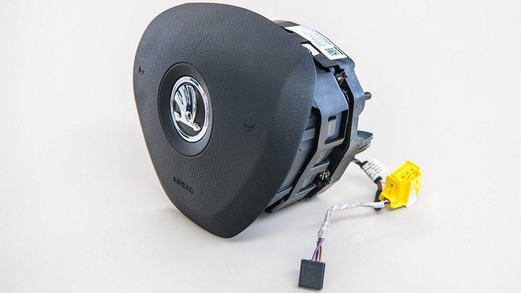 driver-airbag.JPG-1920x1280 (1)