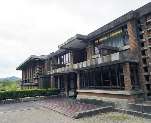 帝国ホテル中央玄関サイド