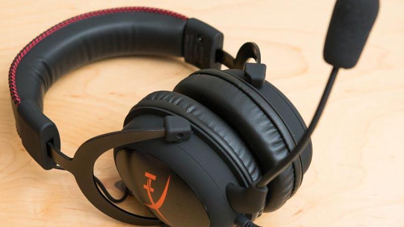 Membeli headset gaming perlu diperhatikan kenyamanannya saat digunakan.