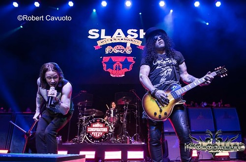 Slash_Myles Kennedy (10)