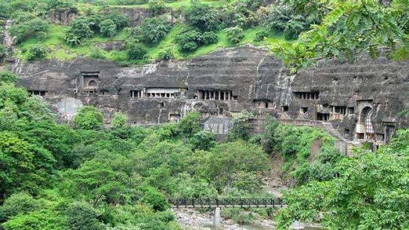 Gua Ajanta di Maharashtra, India akan menjadi destinasi wisata Buddhis.