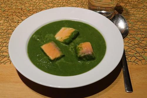 Spinatcurrysuppe mit Lachs (mein Teller)