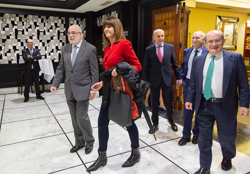 Idoia Mendia presenta a Loza en Forum Europa