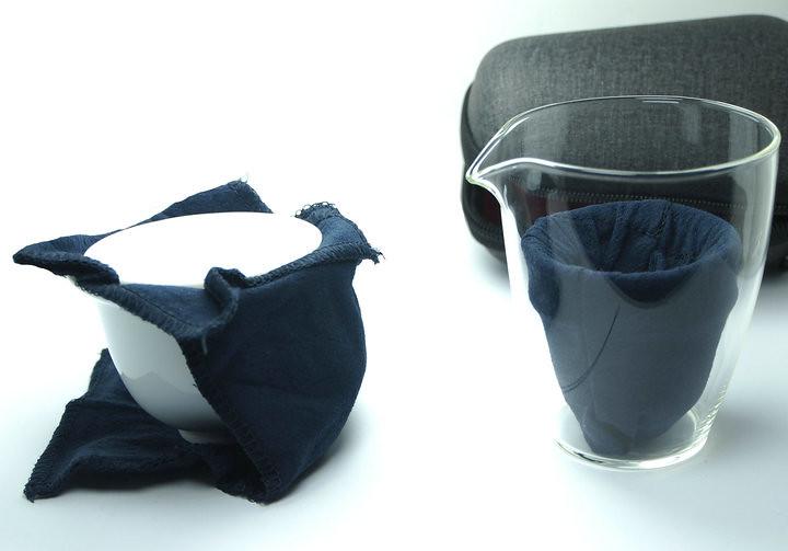 (1 gaiwan + 3 cups + 1 glass pitcher + 1 tea towel + 1 nylon case)