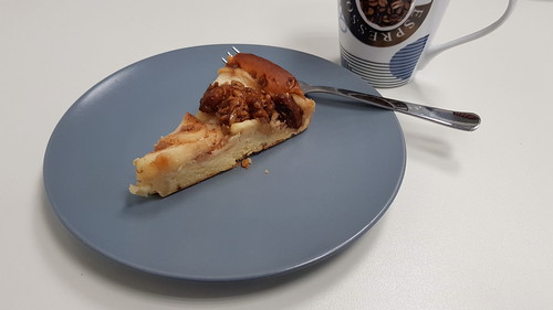 Alt-Böhmischer Apfel-Walnuss-Kuchen (Stück im Büro)