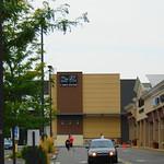 Saks Off Fifth Avenue (West Hartford, Connecticut)