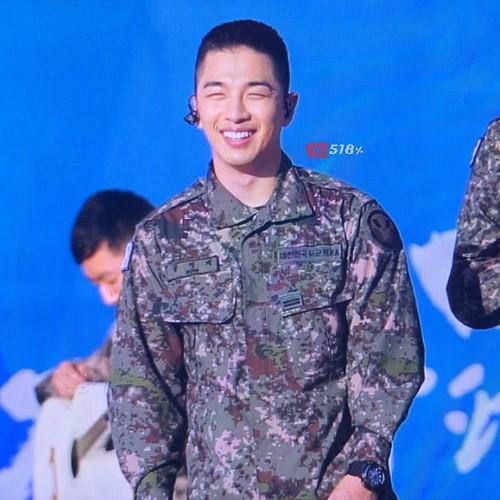 Taeyang Daesung Ground Forces Festival Korea 2018-10-08 (8)