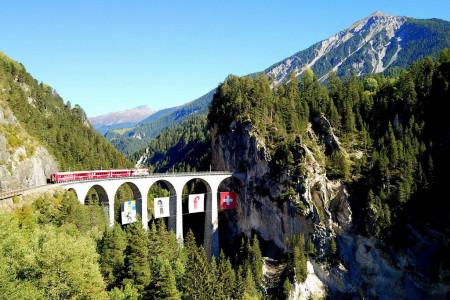 Letní tipy SNOW tour: Rhétská dráha – vlakem za krásami Švýcarska