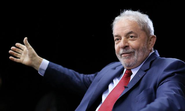 Enquanto Lula não pode concorrer, centenas de candidatos impugnados estão autorizados a fazer campanha  - Créditos: Foto: Ricardo Stuckert