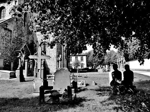 Ename 02 B&W - Van dorp tot bos - Sint-Laurentiuskerk