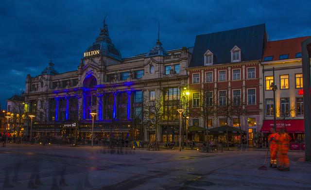 Aliens in Antwerp.