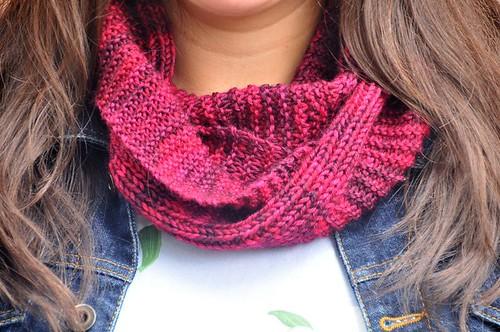 254 Knit infinity scarf