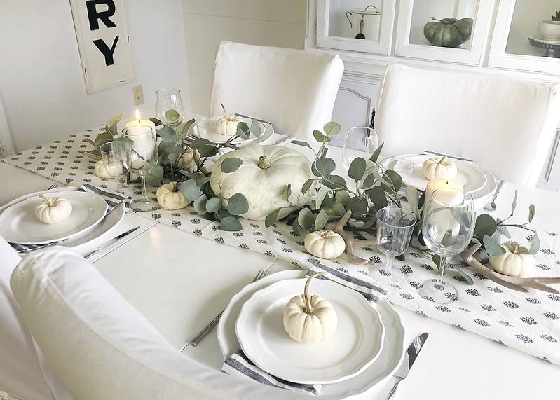 Neutral Fall Tablescape