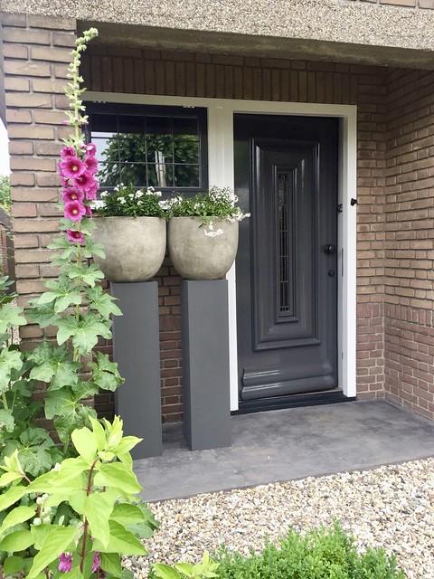 Zuilen bij de voordeur landelijke stijl