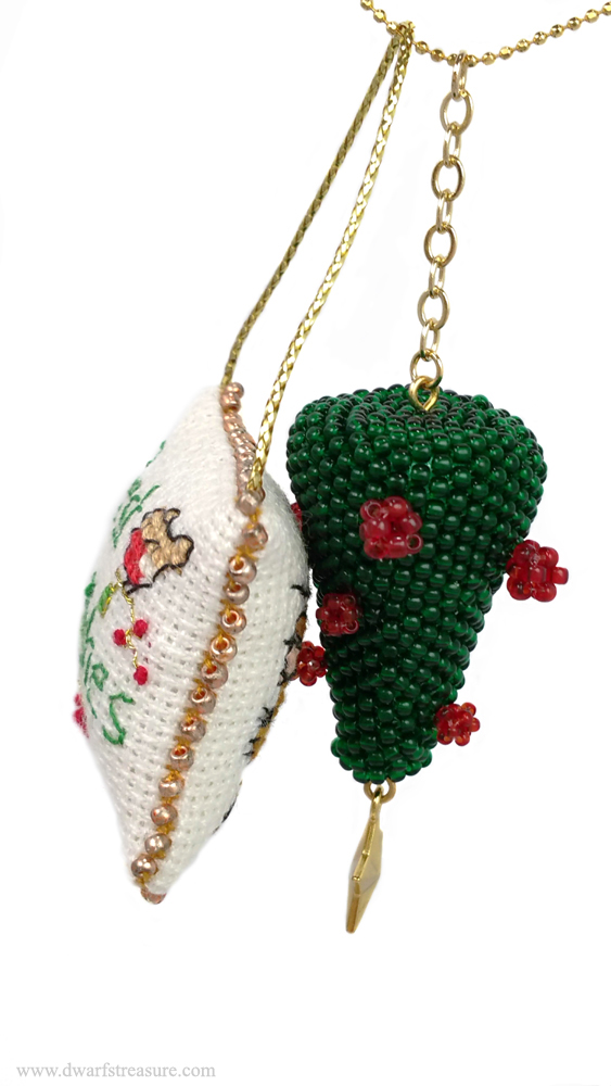 Kawaii beaded green ornament for holiday decoration home