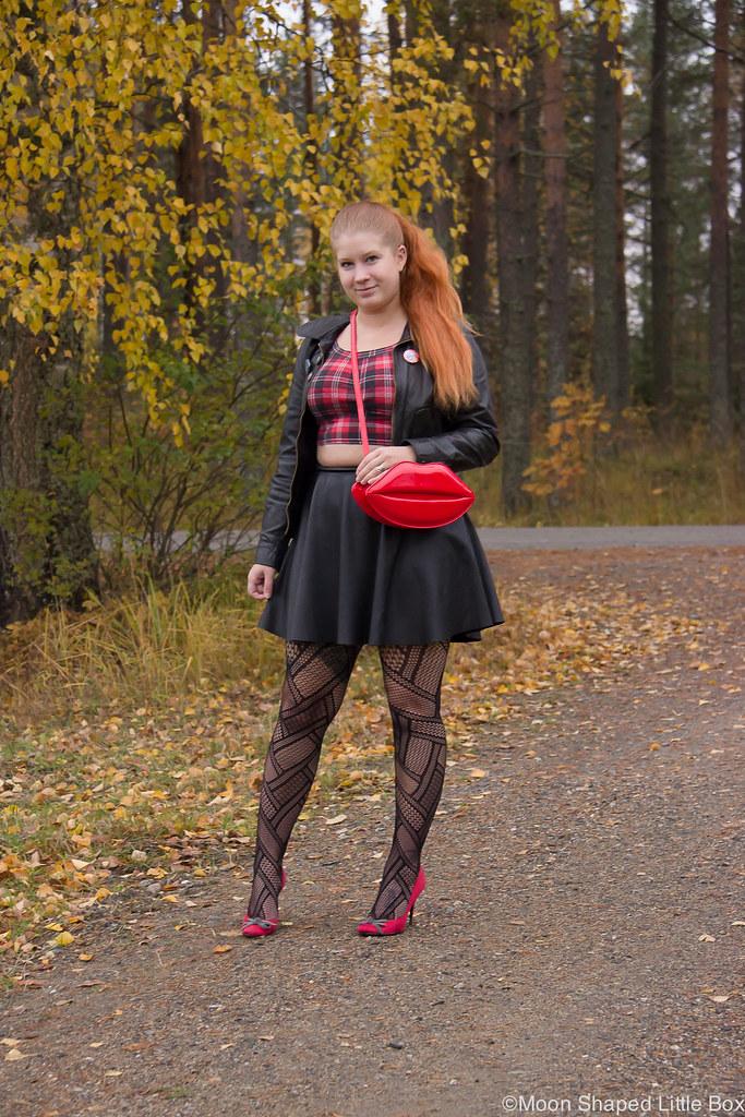 Lip bag, leatherskirt, leatherjacket, outfit, rock style, tyylibloggaaja, rock henkinen asu