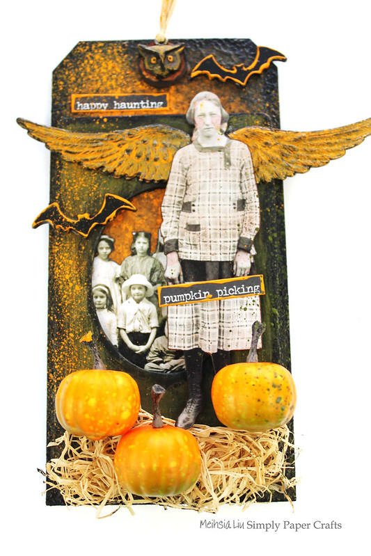 Meihsia Liu Simply Paper Crafts Mixed Media Tag Halloween Wing Pumpkin Bat Wing Simon Says Stamp Monday Tim Holtz 1