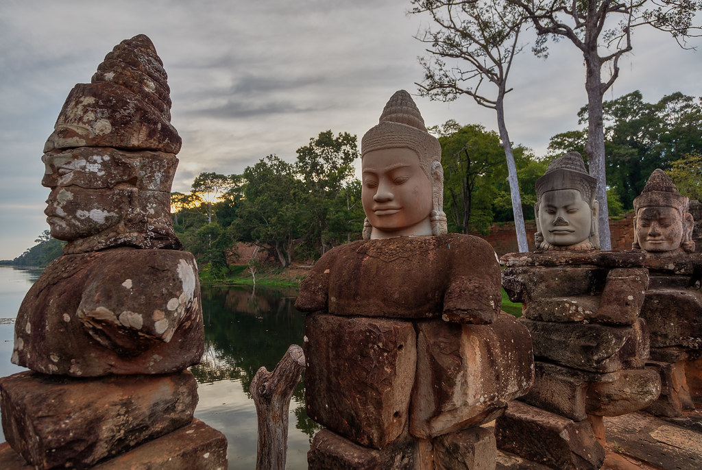 Angkor Thom – Temple guards
