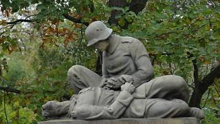Der Leichenduft des Krieges weht aus der glühenden Vergangenheit - Radeburg 00174