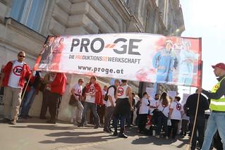 12-Stunden-Protest gegen den 12-Stunden-Tag