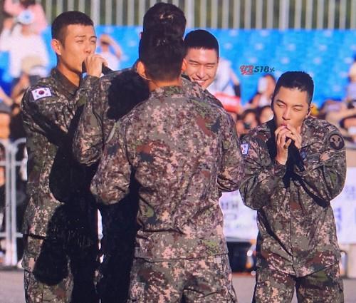 Taeyang Daesung Ground Forces Festival Korea 2018-10-08 (15)