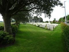 Esquelbecq le cimetière militaire (2)