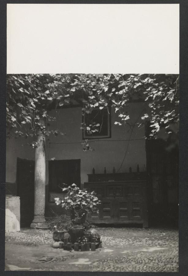 Patio toledano Fotografía de Yvonne Chevalier en 1949 © Roger Viollet