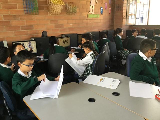 Proyecto STEM con Fundación Chevrolet en Colegio Piloto de Bogotá