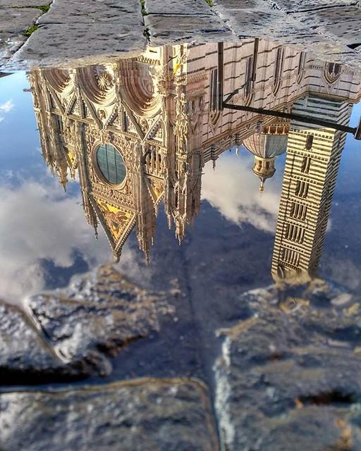 IG03 @aprendizajeviajero 1 Cuando la lluvia te medio estropea el día, pero te compensa con este fotón inspirador de la catedral