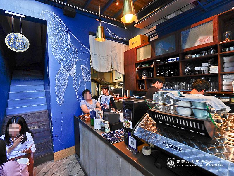blue-cafe-6