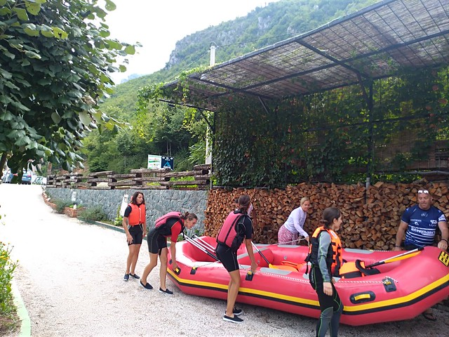 Rafting river takes 5 hours