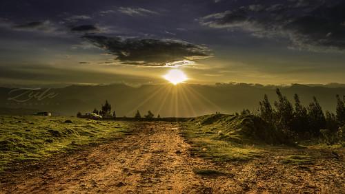 paisaje cajabamba cajamarca perú fotografía photography photo foto naturaleza sunset puesta de sol montaña árbol