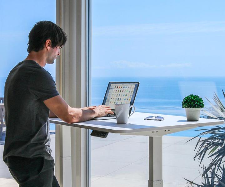 Smart Desks Promote Healthy Living