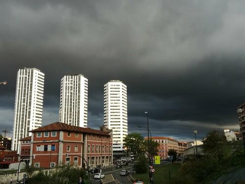 Bilbao bello y oscuro.